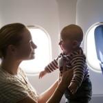 С ребенком в самолете — как правильно организовать перелет